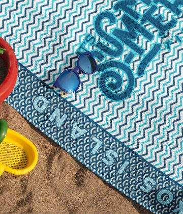 Medium beach towel It's summer time